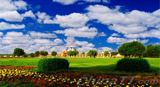 赛汗塔拉位于内蒙古包头市青山区建设路南侧