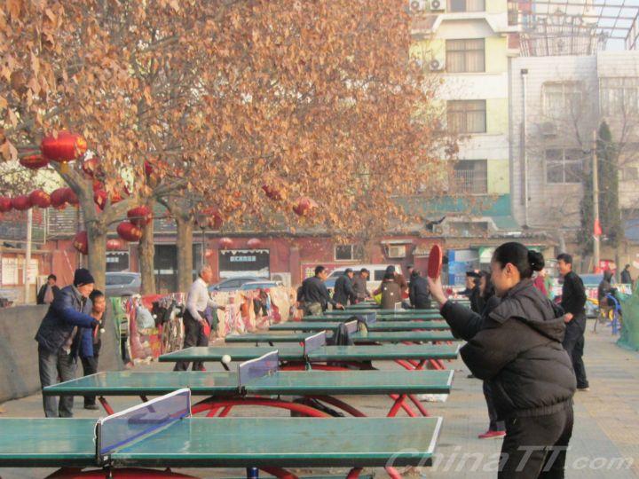 反手局长体育在江苏打乒乓球刘鹏总局了得!-齐佳花样滑冰微博图片